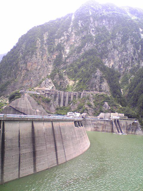 黒部ダムと立山ロープウェイ